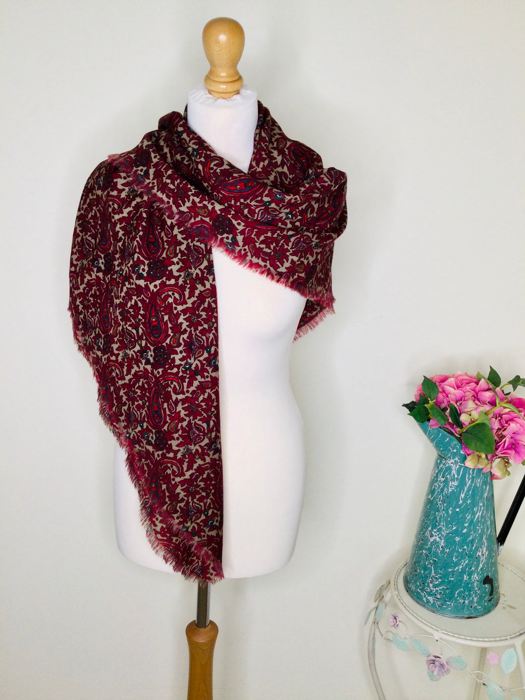 Burgundy paisley print scarf with fringing