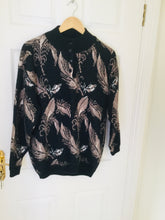 Load image into Gallery viewer, 80s feather print sweater