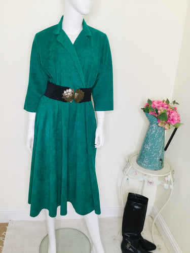 Vintage Kelly green dress with collar and faux wrap bodice with full skirt