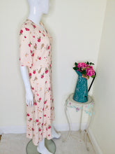 Load image into Gallery viewer, Vintage Peach Floral Button Front Dress