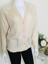 Load image into Gallery viewer, Vintage granny knit cardigan