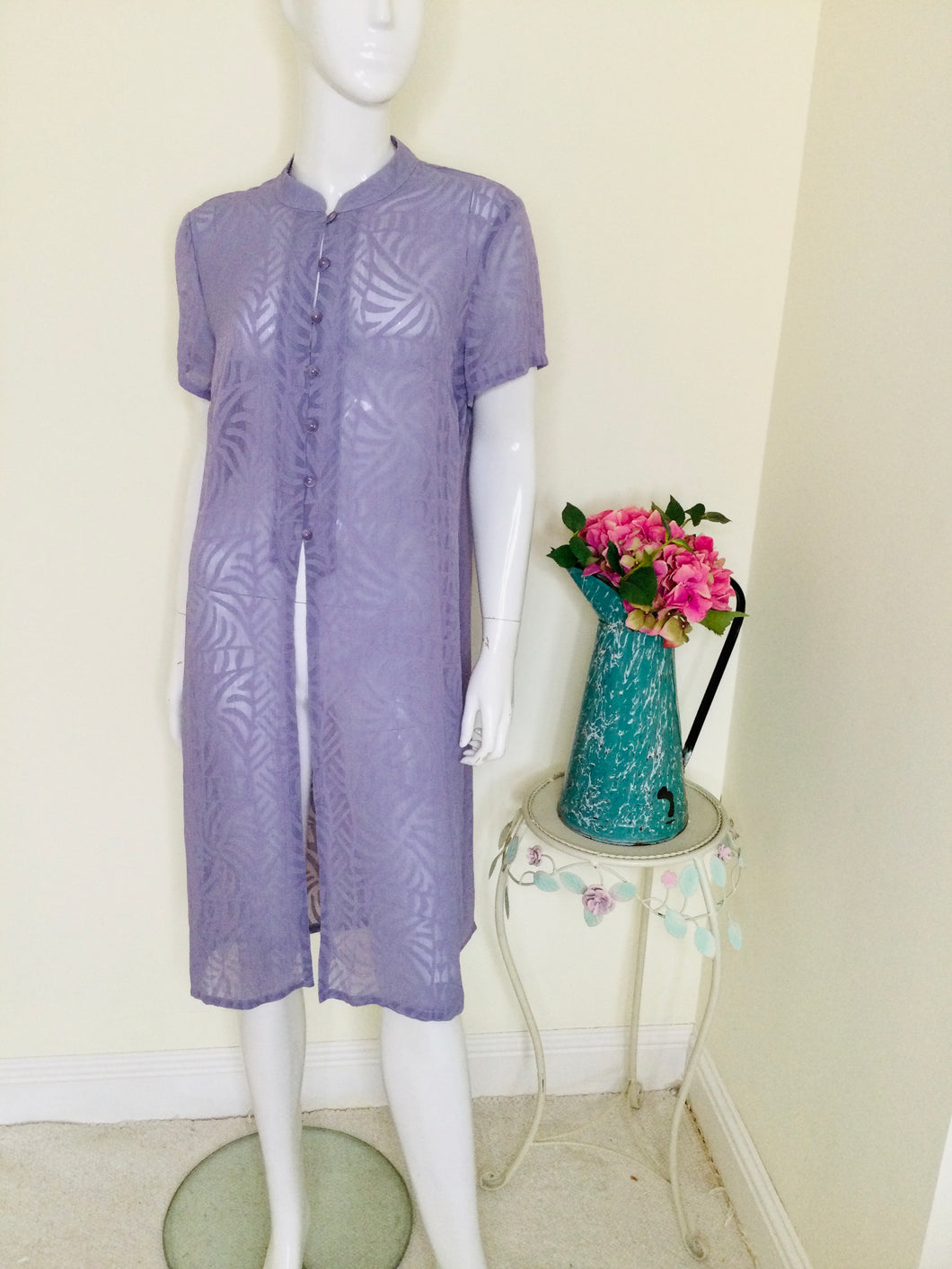 Chiffon lilac tunic with mandarin collar and button front
