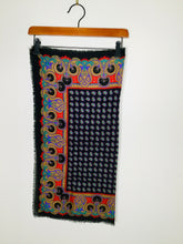 Load image into Gallery viewer, Black paisley print scarf