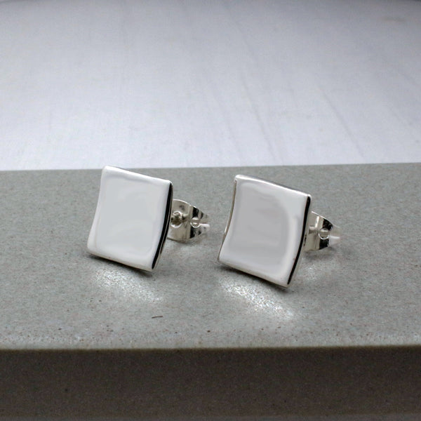 Small Dapped Square Earrings - High-Polished Silver - Stud Earrings