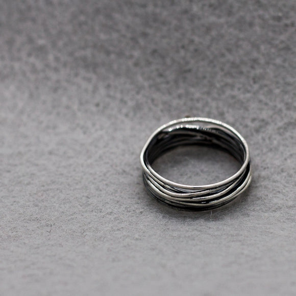 Lasso S Ring - High-Polished Oxidized Silver