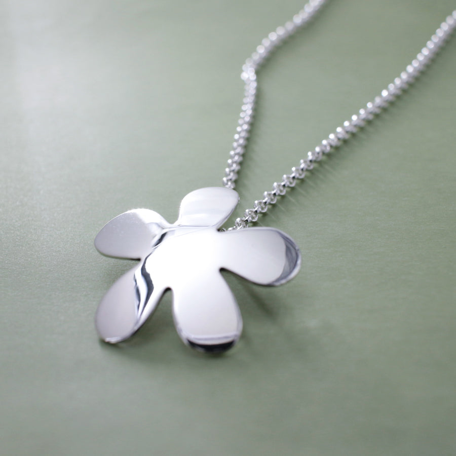 Daisy Flower Sterling Silver Pendant With High Polished Silver Finish | Silver pendant, silver necklace, hammered silver pendant, oxidized silver pendant, brushed silver pendant, silver necklace, hammered silver necklace, hammered silver jewelry