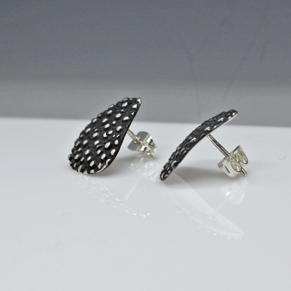 Daisy Petal Dotted Sterling Silver Post Earrings | Oxidized Finish