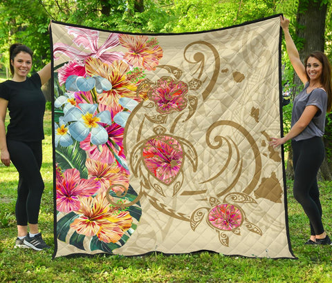 Image of Hawaii Triple Marble Turtle Polynesian Hibiscus Premium Quilt