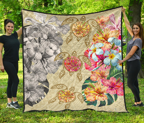 Hawaii Polynesian Flowers Swimming Turtles Premium Quilt