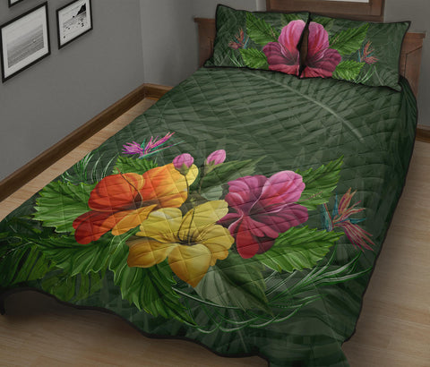 Image of Hibiscus Quilt Bed Set