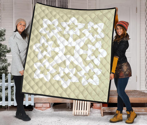 Hawaiian Premium Quilt Royal Pattern - Beige And White - A1 Style