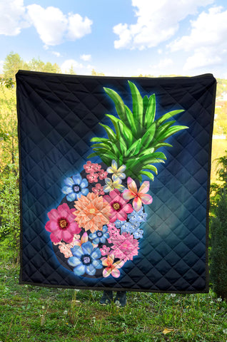 Image of Pineapple Hibiscus Pattern Premium Quilt - AH J9 - Alohawaii