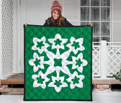 Hawaiian Premium Quilt Royal Pattern - Green And White