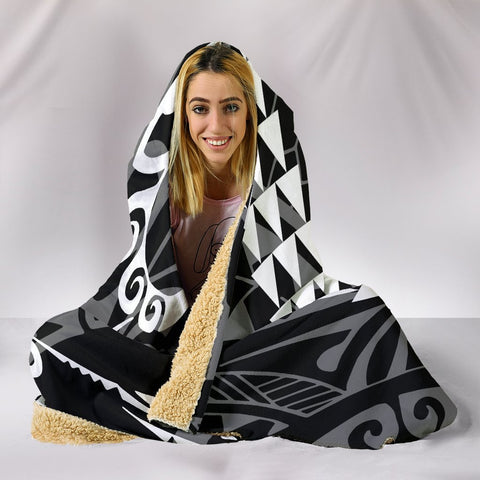 Image of Hawaii Kakau White Polynesian Hooded Blanket - AH - J1 - Alohawaii