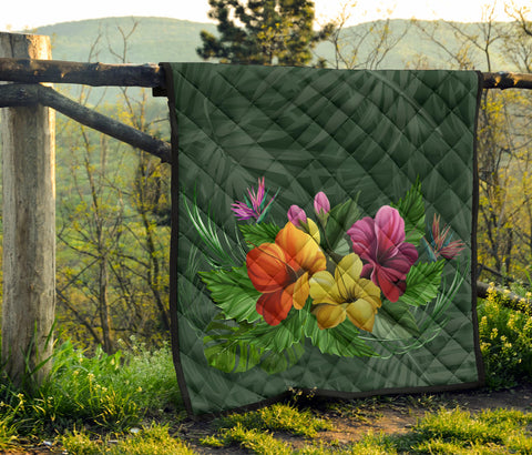 Image of Colorful Hibiscus Quilt