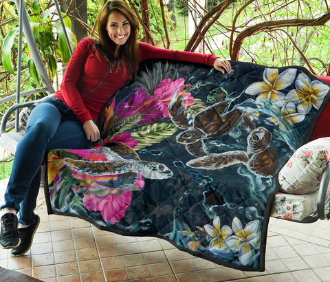 Hawaii Map Turtle Swimming Hibiscus Plumeria Moana Premium Quilt - AH - J5 - Alohawaii