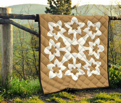 Image of Hawaiian Premium Quilt Royal Pattern - Gold