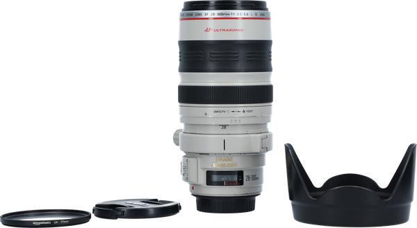 Canon 28-300mm f/3.5-5.6L IS with pouch