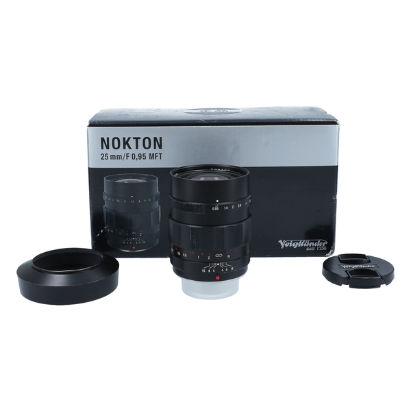 Voigtlander Nokton 25mm f/0.95 Lens for Micro Four Thirds Cameras