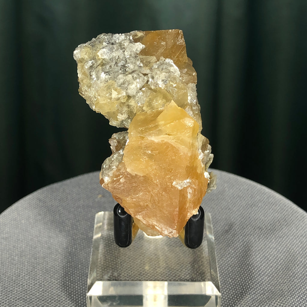 96g 5x3x3cm Orange Scheelite with Silver Muscovite from Mt. Xuebaoding,Sichuan,CHINA