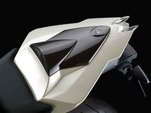 Load image into Gallery viewer, BMW S1000RR Plastic SEAT Hump Cover Alpine White - 71 60 7 723 330 - BMWSuperShop.com