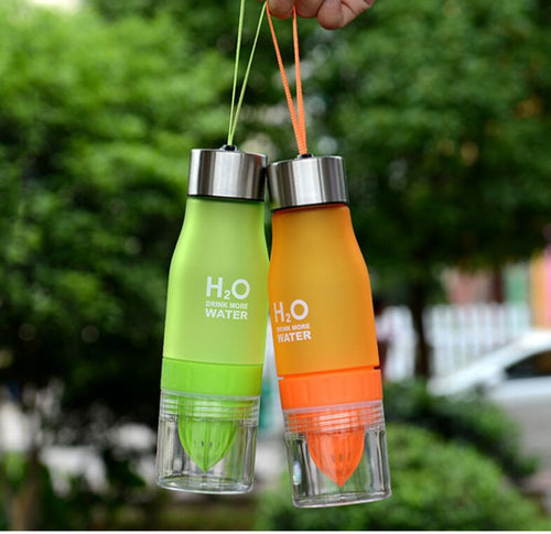 Creative Fruit Juice Infuser Water Bottle 650ml H2O Plastic Portable Lemon Juice Bottle For Water Outdoor Shaker Sport - WowmeZone