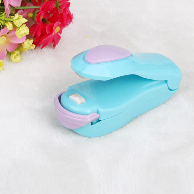 Portable Bag Clips Handheld Mini Electric Heat Sealing Machine Impulse Sealer Seal Packing Plastic Bag Clip work with battery - WowmeZone