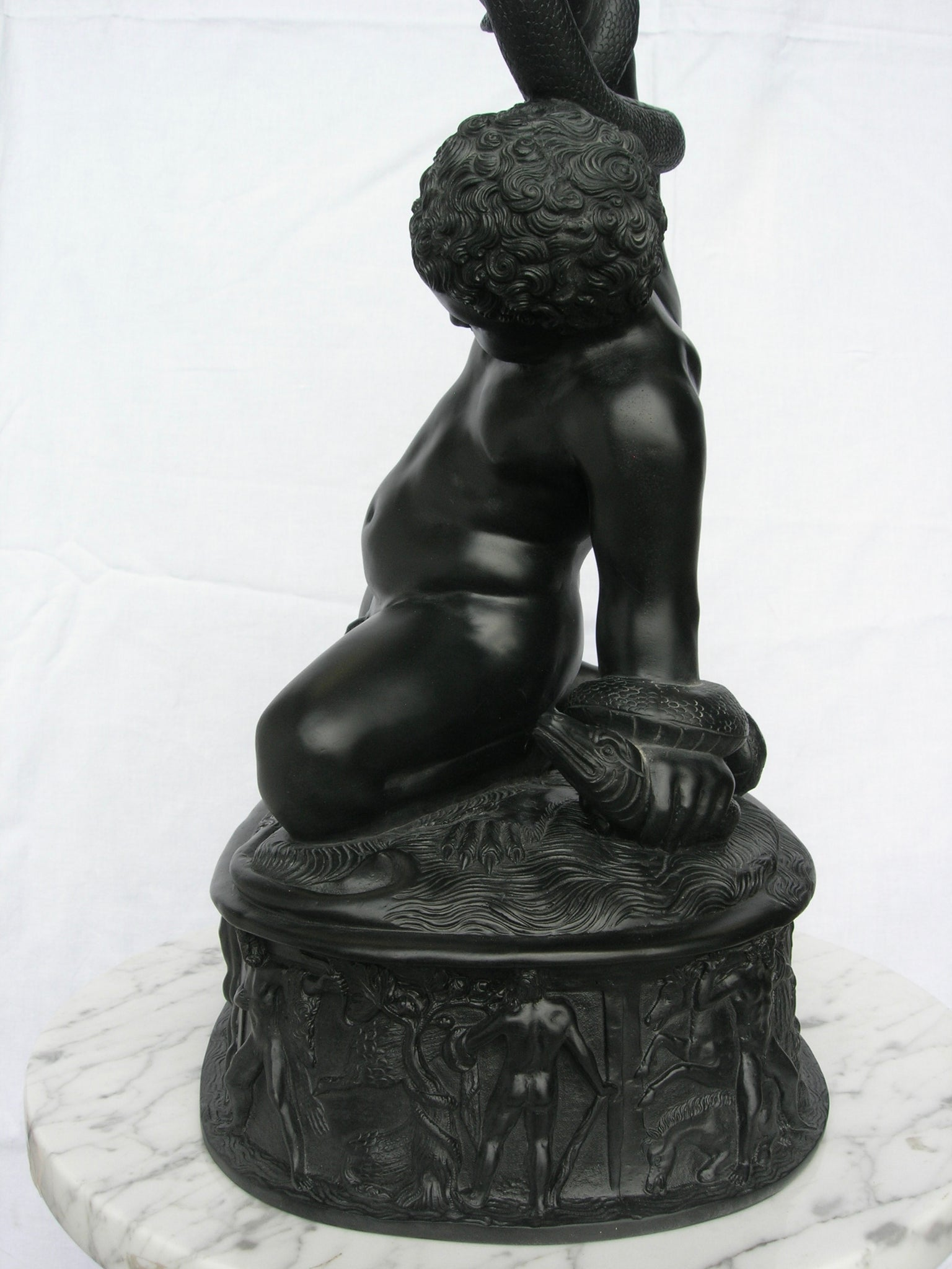 The Young Hercules, Basalt Black