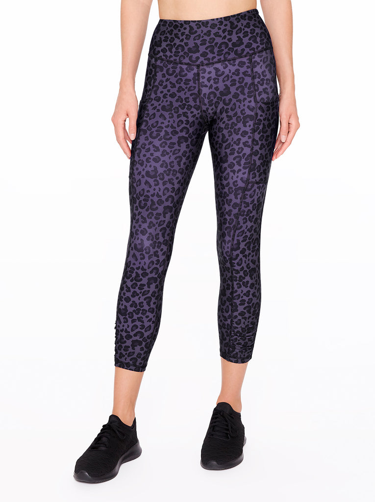 Movement Capri in Black Painted Leopard