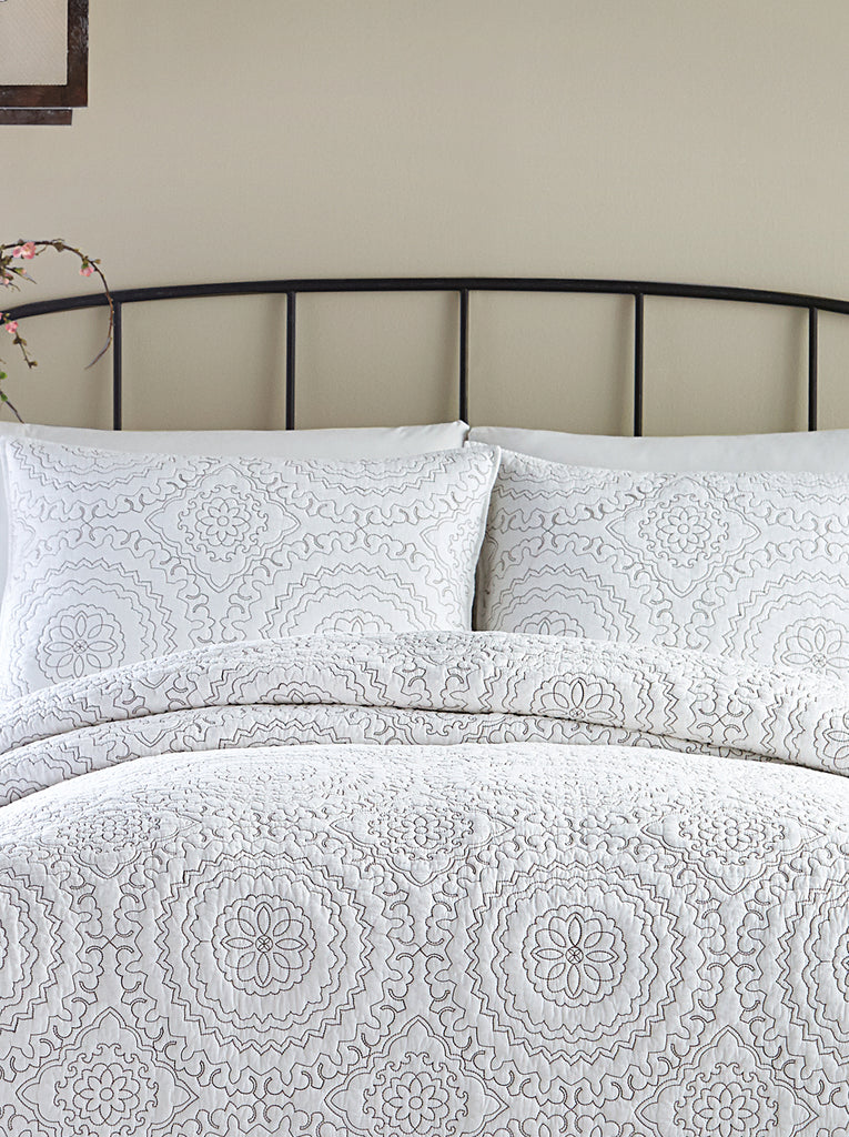 Medallion T Coverlet