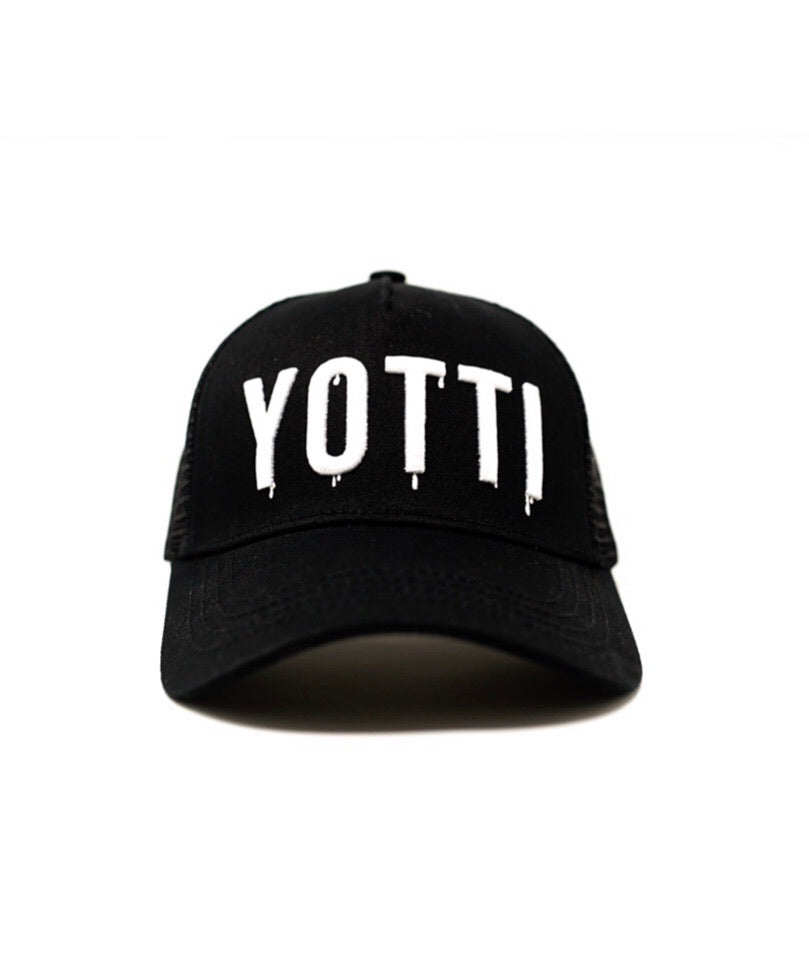 Yotti Trucker Black | White Drip