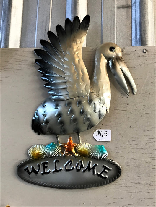 Pelican 'Welcome' Wall Hanging