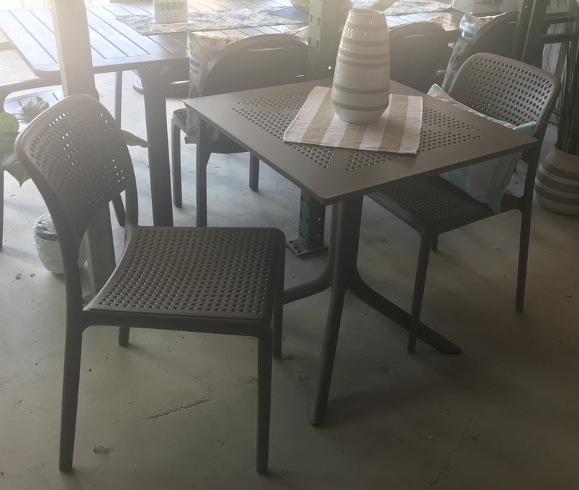 Clip 70/Bora Bistrot - 3 Piece Dining Setting