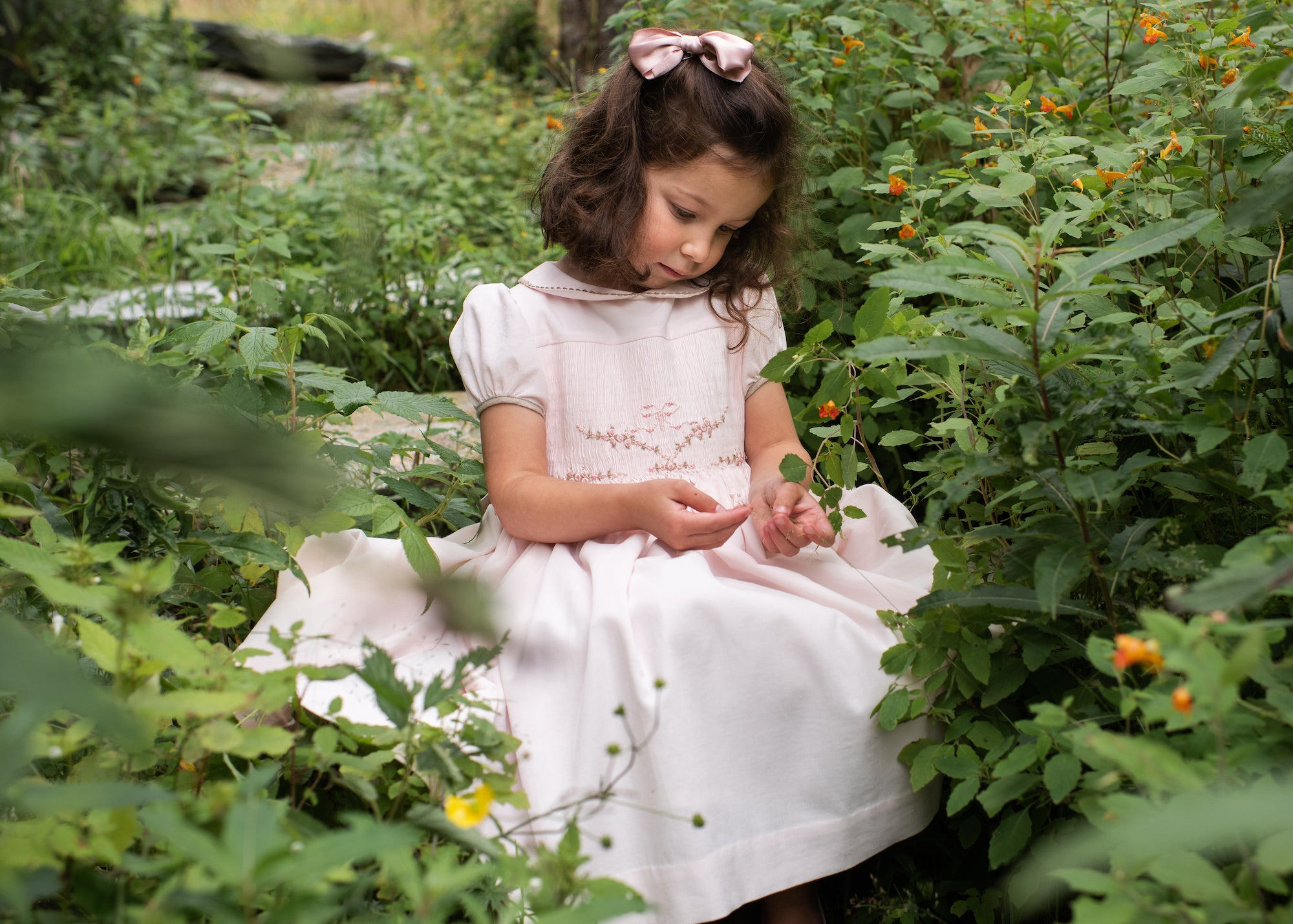 handmade smocked dress Charlotte sy Dimby - bow by Eva's house