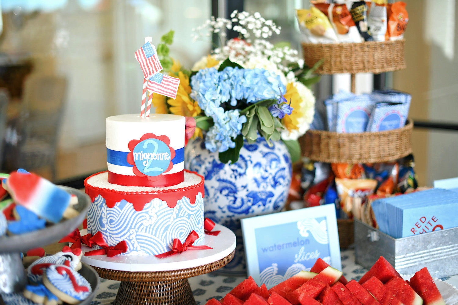 Red, white and blue 4th of July party theme by Caroline Frierson Hernandez from Louisiana - Charlotte sy Dimby