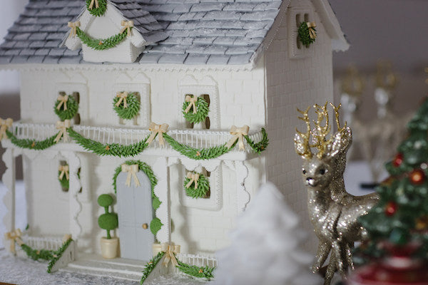Christmas family traditions in Portugal - Mothers share Charlotte sy Dimby blog - Gingerbread house