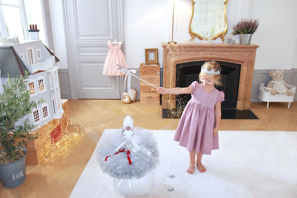 Charlotte sy Dimby - French style handmade smocked dresses for children - Inspiring quotes