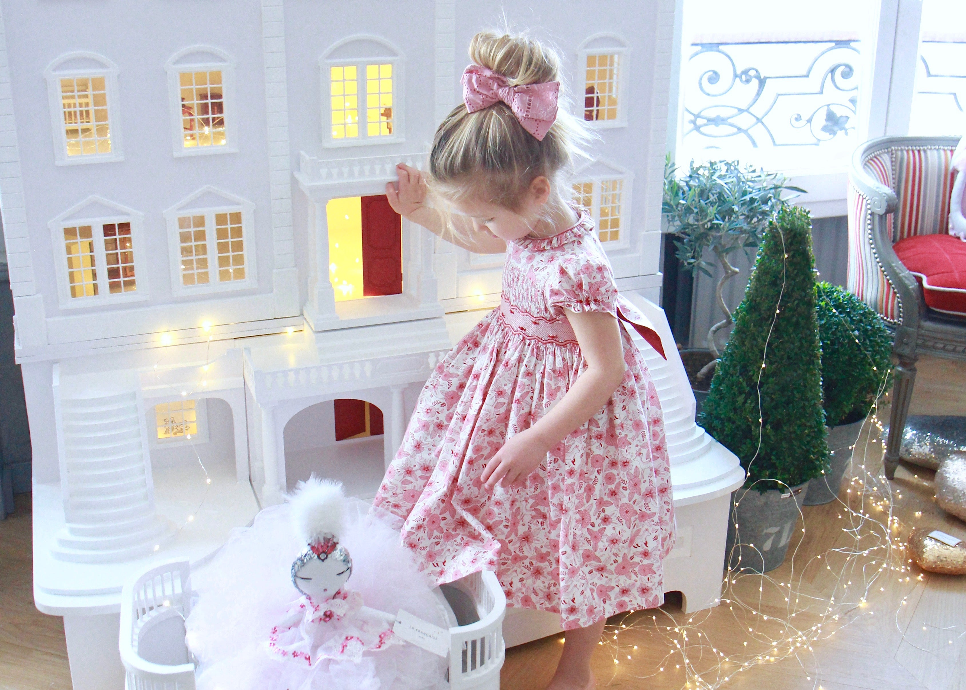 Children's traditional dollhouse
