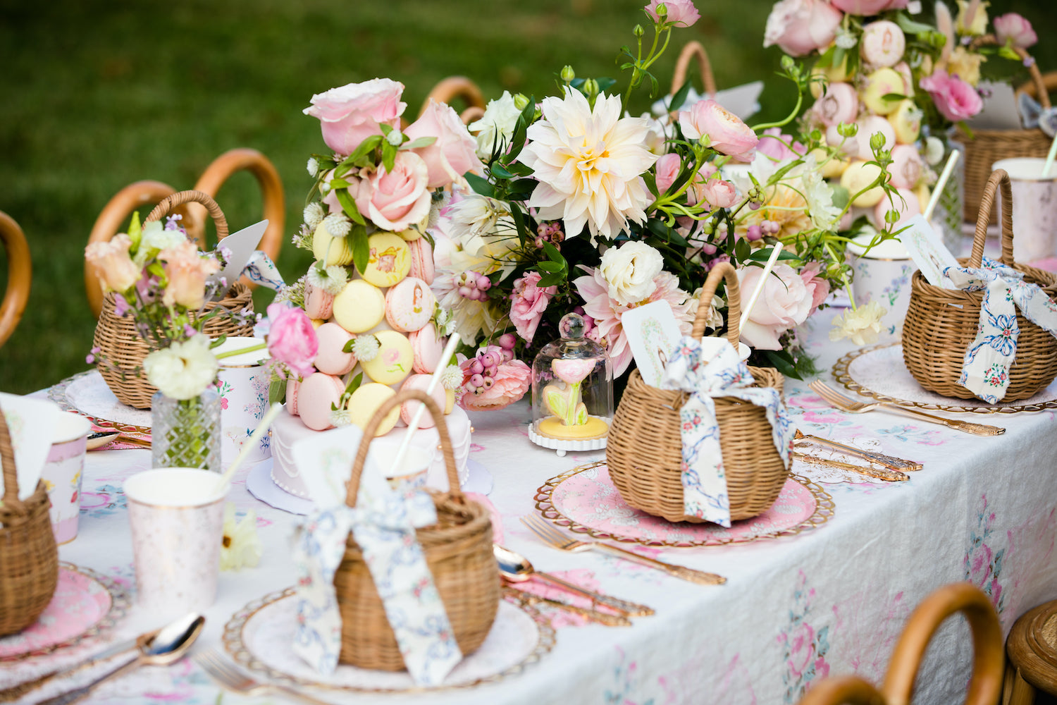 Le Jardin de Gigi - Flower garden children's birthday party inspiration - Celebrating childhood - Charlotte sy Dimby