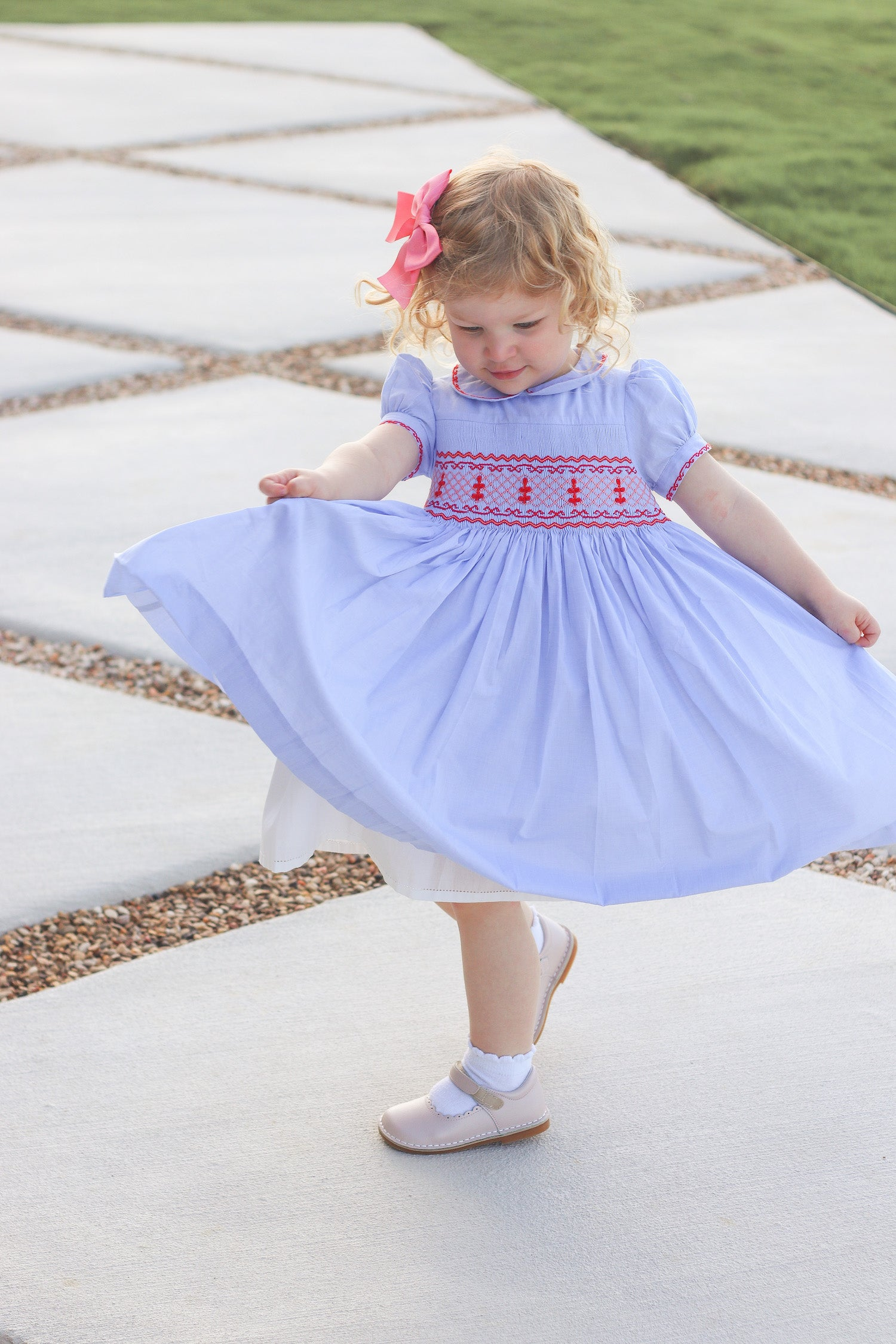 Classic chic shoes for children