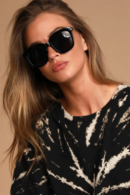 Classic Favorite Black Sunglasses
