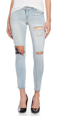 DOLLHOUSE - Distressed Skinny Jeans