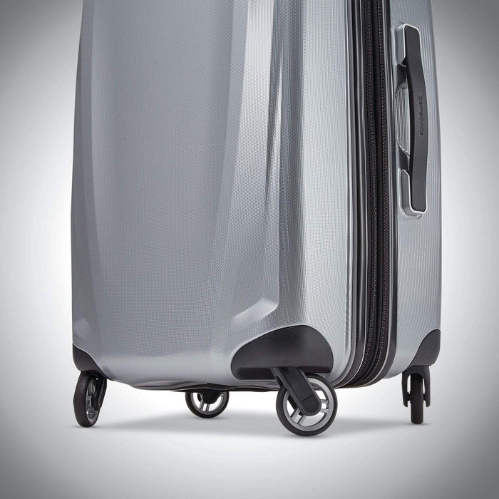 "Samsonite Winfield 3 DLX 20"" Spinner"