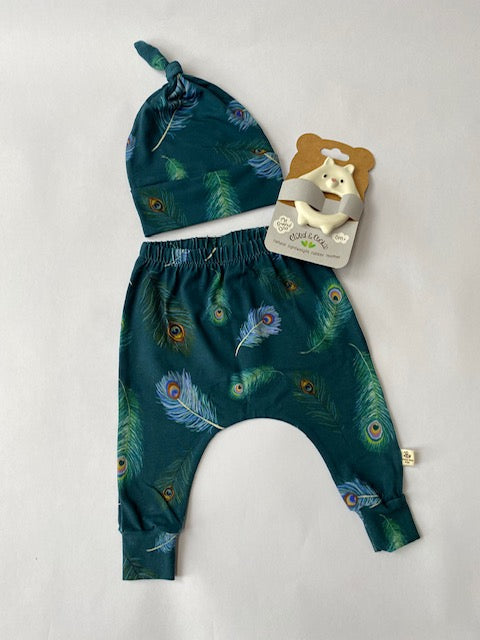 Emilia Rae Kids. Baby gift set exclusive to Wolf & Compass containing a pair of snuggley soft leggings, matching hat and 'My Friend Goo' biodegradable teether.