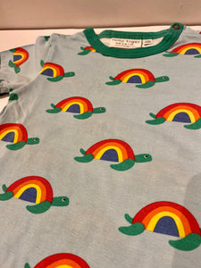 PRELOVED Toby Tiger Rainbow Turtles Tee (PLAYWEAR) 1-2years