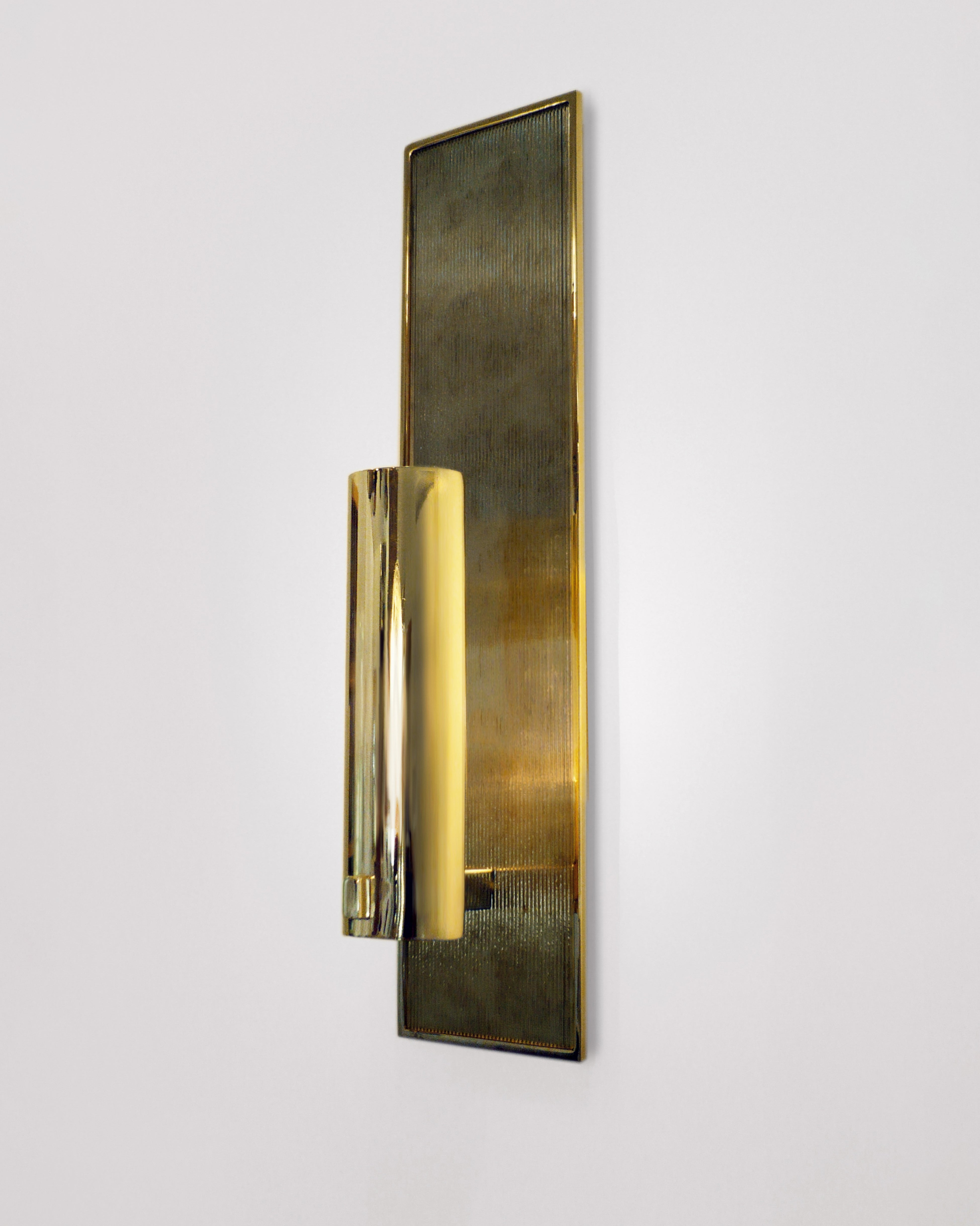 Polished Brass with Antiqued Ribbed Mirror