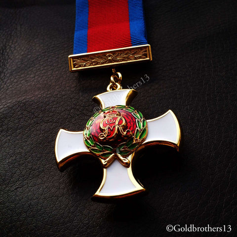 British Army Medal: Military cross distinguished service order and Victoria cross medals set detail five