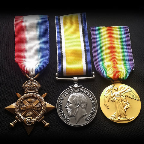 MILITARY MEDALS 3 PIECES ACCESSORIES