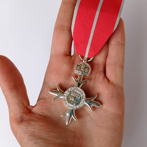 Order Of The British Empire MBE Medal Military Cross Award with ribbon Repro