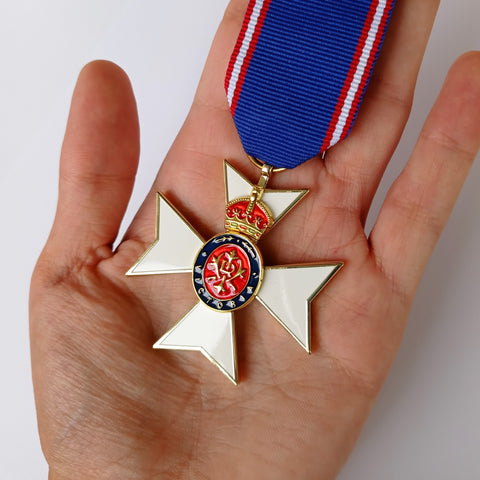 Royal Victorian Order Medal Military Award with ribbon commonwealth realms Repro
